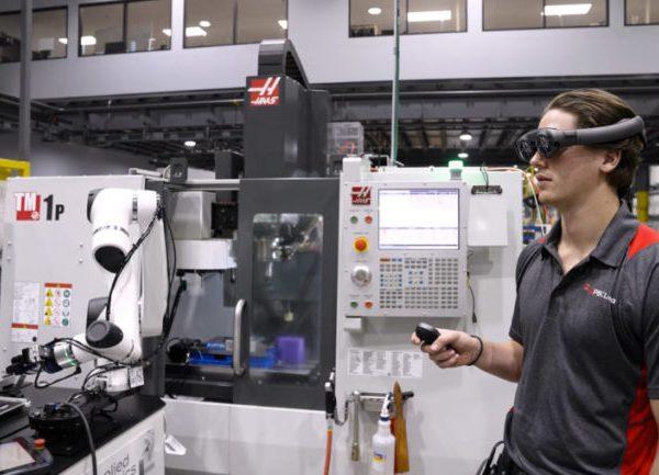 FACEBOOK потратит более 10 млрд $ на AR/VR в 2021 году